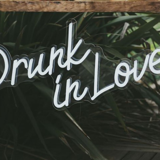 Neon Light - Drunk in Love